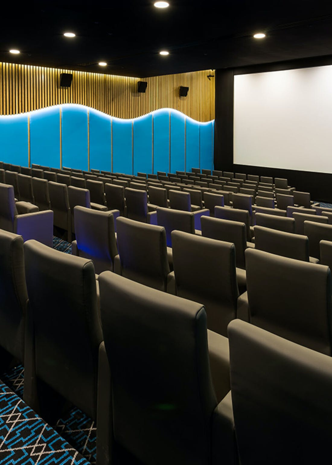 Virgin Experience Days Cocktail Cinema Evening for 2 at the 5* Courthouse Hotel Shoreditch