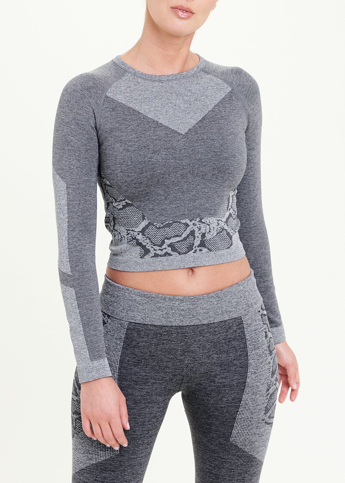 Souluxe Long Sleeve Seamless Animal Print Crop Top