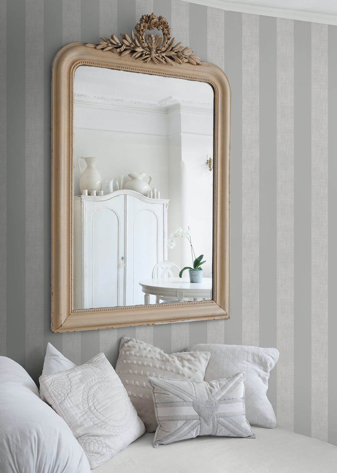 Darcy James Grey Linen Stripe Wallpaper (10.05m x 53cm)