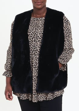Papaya Curve Black Faux Fur Gilet